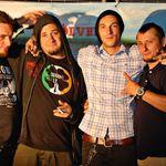 Niste Baieti fac punk rock show in Brasov si Targu Mures