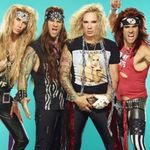 Steel Panther au fost intervievati in New York. Mare atentie la blonda (video)