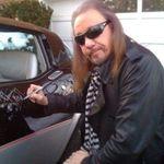 Ace Frehley (KISS) si-a anulat concertele din cauza mainii rupte