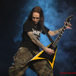 Solistul Children Of Bodom si-a luxat umarul