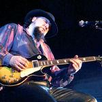 AG Weinberger invita fanii sa apara pe primul sau album live