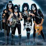 Basistul Kiss si-a vandut piatra de la rinichi
