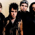 Papa Roach au ridiculizat-o pe Britney Spears la Download