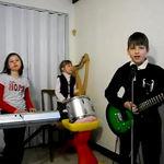 O trupa de copii romani ii impresioneaza pe RAMMSTEIN
