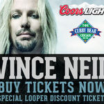 VINCE NEIL a cantat Piece Of Your Action in Chicago (video)