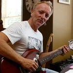 Chitaristul Def Leppard: Ascult dubstep, il iubesc pe Skrillex! Si lui Steve Vai ii place