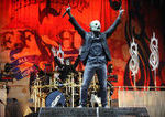 Slipknot: Corey Taylor a lesinat pe scena la un concert in Dallas (video)