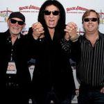 10 vedete rock: De pe scena direct la afaceri