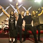 Metallica intra in studio 'curand'