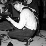 Beatles: Vaduva lui George Harrison refuza ridicarea unei statui in memoria artistului