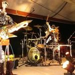Cum suna AC/DC - T.N.T, cantata de roboti? (video)