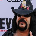 Vinnie Paul: Nu vreau sa aflu ce are de spus Phil Anselmo
