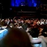 In Rusia se incinge hora populara la concerte metal (video)