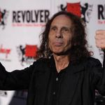 Fantoma lui Ronnie James Dio la concertul Last in Line