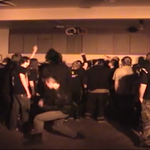 Moshpit cu pumni... la purtator la un concert Cattle Decapitation (video)