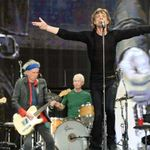 Rolling Stones - Jumpin' Jack Flash (preview al DVD-ului Sweet Summer Sun: Hyde Park Live)
