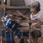 La 3 ani interpreteaza piesa Sweet Child O' Mine la tobe