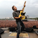 Colaborare istoria: Bruce Springsteen, Eddie Vedder si Tom Morello (video)