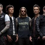 Avenged Sevenfold revine direct in top 10