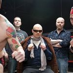 Billy Corgan de la Smashing Pumpkins intra in lumea Wrestling-ului