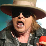 Mick Wall, cel care a inspirat piesa 'Get in the ring' il provoaca pe Axl Rose