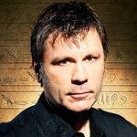 Bruce Dickinson a luat parte activ la o sedinta de terapie prin muzica pentru copii