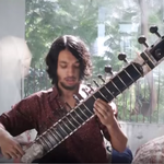 'Wave of Babies' de la Animals as Leaders interpretata la un instrument traditional din India
