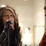 Steven Tyler de la Aerosmith a cantat cu un artist stradal - video