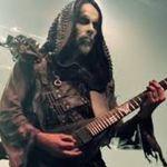 Behemoth si Dying Fetus au imprastiat pe scena cenusa unui fan decedat