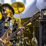 Urmareste intregul show Motorhead Live la Resurrection Fest 2015