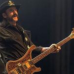 Doua chitare bass vor fi expuse in memoria lui Lemmy la Bloodstock