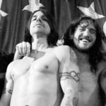 Red Hot Chili Peppers au lansat videoclipul piesei 'Go Robot'