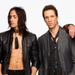 Extreme au lansat un videoclip live pentru piesa 'Decadence Dance'