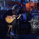 Kirk Hammett considera ca a fost trimis pe pamant pentru a canta la chitara