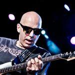 Satriani este mandru de fostul sau elev, Kirk Hammett