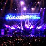 Evanescence vor transmite azi concertul de la New York