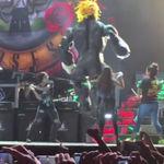 Guns N' Roses au chemat mexicani pe scena sa-l bata pe Trump