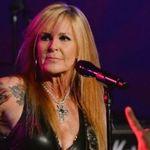 Lita Ford: Fostul sot nu ma lasa sa ascult muzica