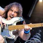 Steve Harris vrea sa isi transforme casa intr-un hotel Iron Maiden