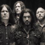 Machine Head au ramas fara tobosar si chitarist