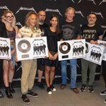 Metallica a primit discul de platina pentru vanzarile albumului 'Hardwired...to Self-Destruct' in Romania