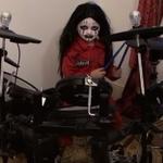 Un pusti de 5 ani rupe tobele pe 'Before I Forget' de la Slipknot