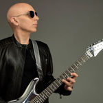Ascultati Joe Satriani-