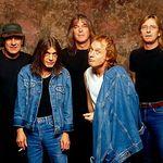 Angus Young face marturisiri legale de succesul trupei AC DC