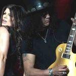Slash pleaca in turneu cu Fergie