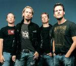 Nickelback au cantat o piesa AC/DC alaturi de chitaristul Kiss (video)
