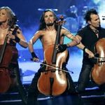 Apocalyptica intra in studio