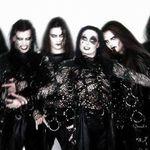 Chitaristul Cradle Of Filth a fost lovit de un obiect zburator