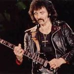 Chitaristul Black Sabbath, Tony Iommi, se va opera la mana stanga