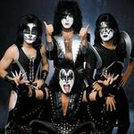Kiss vor canta integral albumul Alive! in Detroit